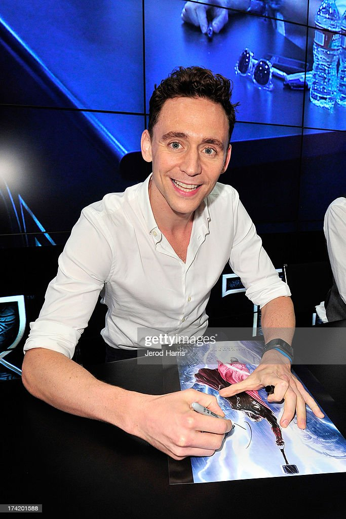 Actor <a gi-track='captionPersonalityLinkClicked' href=/galleries/search?phrase=Tom+Hiddleston&family=editorial&specificpeople=4686407 ng-click='$event.stopPropagation()'>Tom Hiddleston</a> attends Marvel's 'Thor: The Dark World' Autograph Signing - Comic-Con International 2013 on July 21, 2013 in San Diego, California.