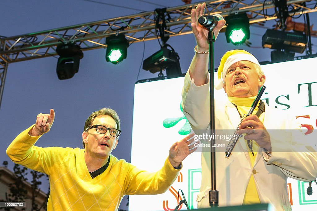 Actor <a gi-track='captionPersonalityLinkClicked' href=/galleries/search?phrase=Tom+Kenny&family=editorial&specificpeople=215463 ng-click='$event.stopPropagation()'>Tom Kenny</a> (L) performs in the 'Spongebob Holiday Extravapants!' stage show at The Grove on November 18, 2012 in Los Angeles, California.