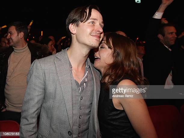Actor Tom Schilling and singer Annett Louisan attend the 'Hinterm Horizont' musical premiere at Theater am Potsdamer Platz on January 13 2011 in...