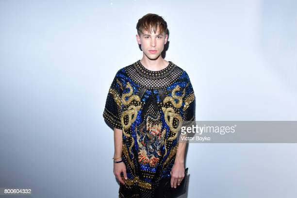 Actor Tommy Dorfman attends the Balmain Menswear Spring/Summer 2018 show as part of Paris Fashion Week on June 24 2017 in Paris France