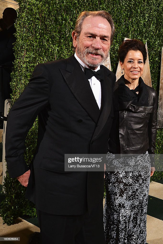 Actor Tommy Lee Jones and Dawn Laurel Jones arrive for the 2013 Vanity Fair Oscar Party hosted by Graydon Carter at Sunset Tower on February 24, 2013 in West Hollywood, California.