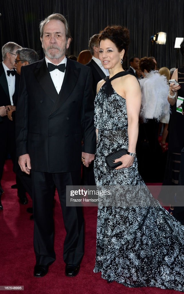 Actor Tommy Lee Jones and wife Dawn Laurel-Jones arrive at the Oscars at Hollywood & Highland Center on February 24, 2013 in Hollywood, California.