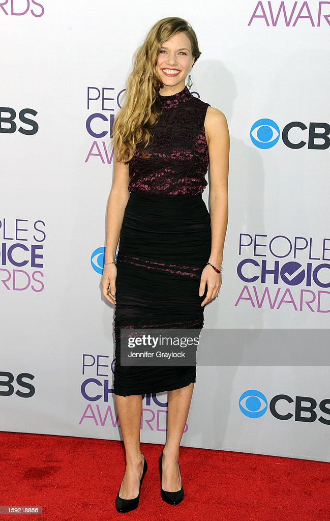 Actor Tracy Spiridakos attends the 2013 People's Choice Awards Arrivals held at Nokia Theatre L.A. Live on January 9, 2013 in Los Angeles, California.