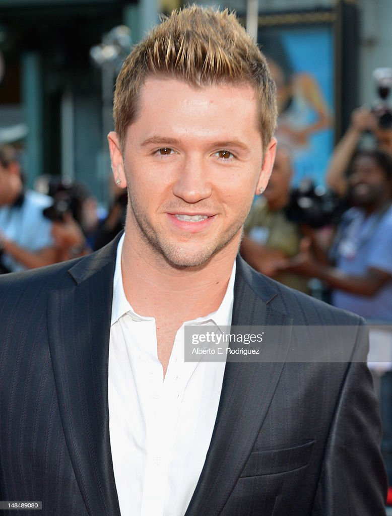 Actor <a gi-track='captionPersonalityLinkClicked' href=/galleries/search?phrase=Travis+Wall&family=editorial&specificpeople=736469 ng-click='$event.stopPropagation()'>Travis Wall</a> arrives to the Los Angeles premiere of Summit Entertainment's 'Step Up Revolution' at Grauman's Chinese Theatre on July 17, 2012 in Hollywood, California.