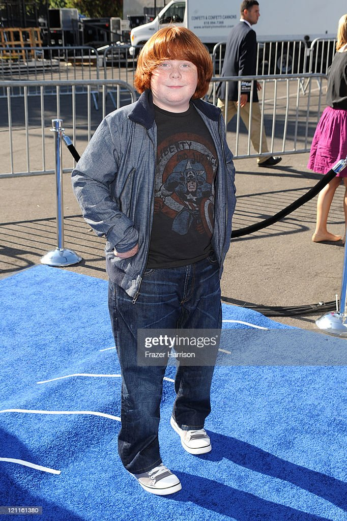 Actor Tucker Albrizzi arrives at the 2011 VH1 Do Something Awards at the Hollywood Palladium on August 14 2011 in Hollywood California