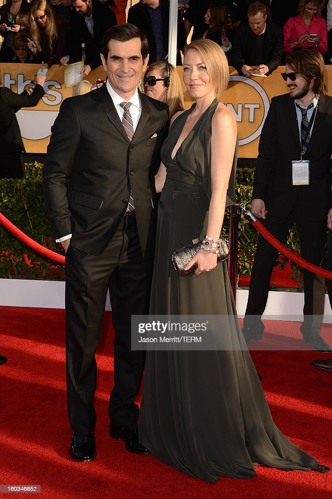 Actor Ty Burrell (L) and Holly Burrell attend the 19th Annual Screen Actors Guild Awards at The Shrine Auditorium on January 27, 2013 in Los Angeles, California. (Photo by Jason Merritt/WireImage) 23116_014_0524.JPG