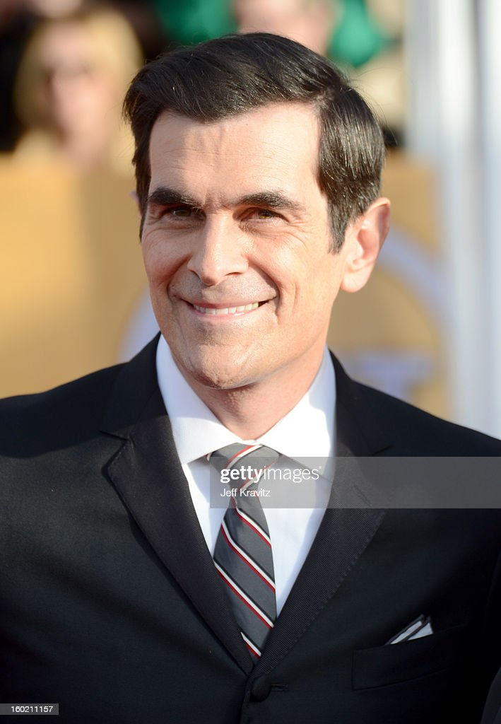 Actor Ty Burrell arrives at the 19th Annual Screen Actors Guild Awards held at The Shrine Auditorium on January 27, 2013 in Los Angeles, California.