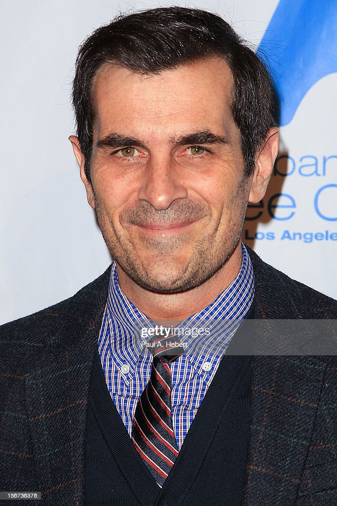 Actor <a gi-track='captionPersonalityLinkClicked' href=/galleries/search?phrase=Ty+Burrell&family=editorial&specificpeople=700077 ng-click='$event.stopPropagation()'>Ty Burrell</a> arrives at The Saban Free Clinic's Gala Honoring ABC Entertainment Group President Paul Lee and Bob Broder at The Beverly Hilton Hotel on November 19, 2012 in Beverly Hills, California.