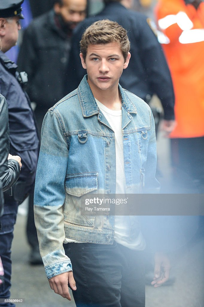 Actor Tye Sheridan leaves the 'Good Morning America' taping at the ABC Times Square Studios on May 24, 2017 in New York City.