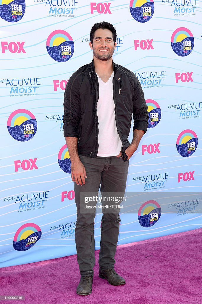 Actor <a gi-track='captionPersonalityLinkClicked' href=/galleries/search?phrase=Tyler+Hoechlin&family=editorial&specificpeople=228774 ng-click='$event.stopPropagation()'>Tyler Hoechlin</a> arrives at the 2012 Teen Choice Awards at Gibson Amphitheatre on July 22, 2012 in Universal City, California.