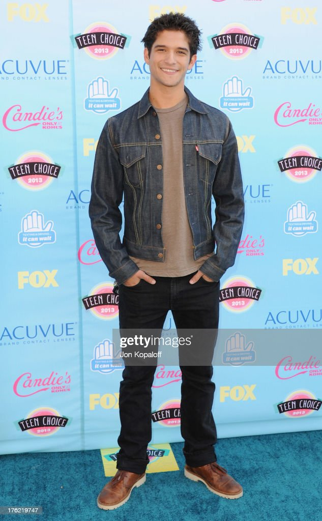 Actor <a gi-track='captionPersonalityLinkClicked' href=/galleries/search?phrase=Tyler+Posey&family=editorial&specificpeople=3201481 ng-click='$event.stopPropagation()'>Tyler Posey</a> arrives at the 2013 Teen Choice Awards at Gibson Amphitheatre on August 11, 2013 in Universal City, California.