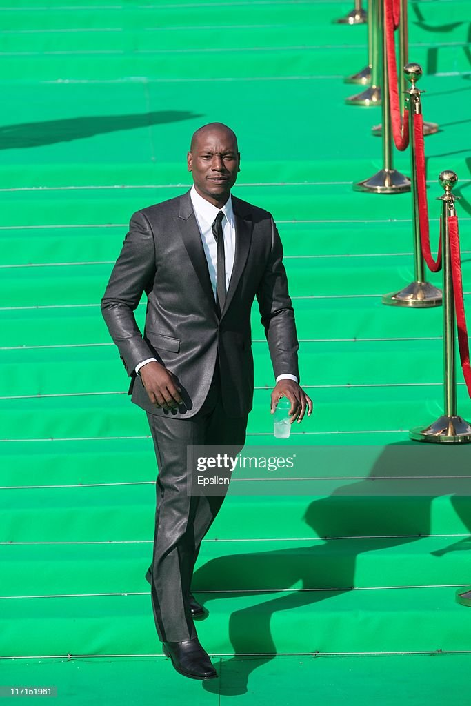 Actor <a gi-track='captionPersonalityLinkClicked' href=/galleries/search?phrase=Tyrese&family=editorial&specificpeople=206177 ng-click='$event.stopPropagation()'>Tyrese</a> Gibson arrives at the premiere of the 'Transformers: Dark of the Moon' during the 33d Moscow International Film Festival at Pushkinskiy Theatre on June 23, 2011 in Moscow, Russia.