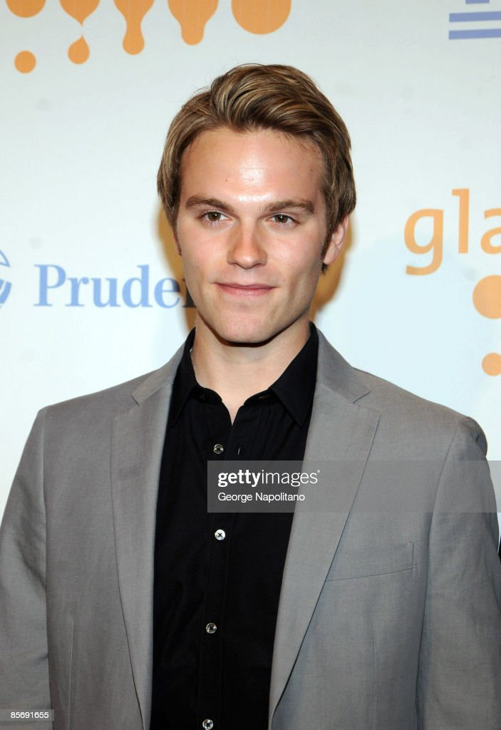 Actor Van Hansis arrives at the 20th Annual GLAAD Media Awards at the Marriott Marquis on March 28, 2009 in New York City.