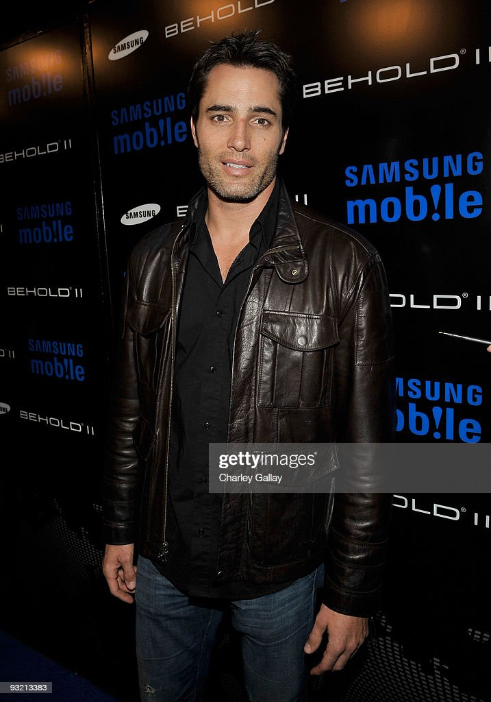 Actor Victor Webster arrives at the Samsung Behold II launch event at Boulevard3 on November 18, 2009 in Los Angeles, California.