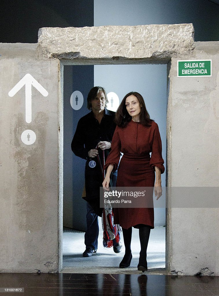 Viggo Mortensen and Carmen Elias Present 'Purgatorio' Theatre Play in Madrid
