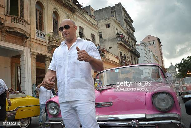 US actor Vin Diesel arrivesat the Prado promenade in Havana on May 3 2016 to watch the Chanel performance / AFP / ADALBERTO ROQUE