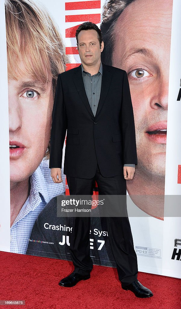 Actor <a gi-track='captionPersonalityLinkClicked' href=/galleries/search?phrase=Vince+Vaughn&family=editorial&specificpeople=182440 ng-click='$event.stopPropagation()'>Vince Vaughn</a> arrives at the Premiere Of Twentieth Century Fox's 'The Internship' on May 29, 2013 in Westwood, California.
