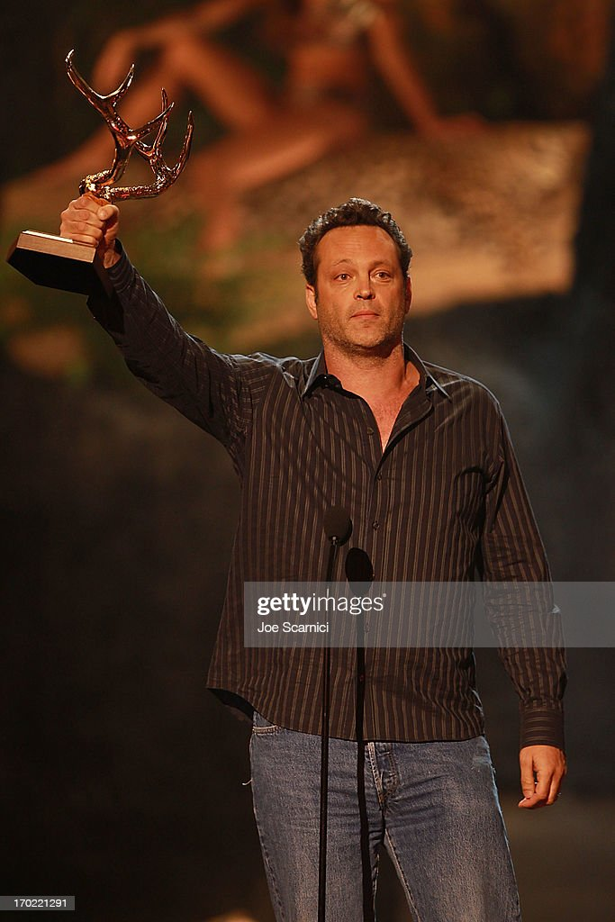 Actor <a gi-track='captionPersonalityLinkClicked' href=/galleries/search?phrase=Vince+Vaughn&family=editorial&specificpeople=182440 ng-click='$event.stopPropagation()'>Vince Vaughn</a> attends the 2013 Spike TV 'Guys Choice' - Show at Sony Pictures Studios on June 8, 2013 in Culver City, California.