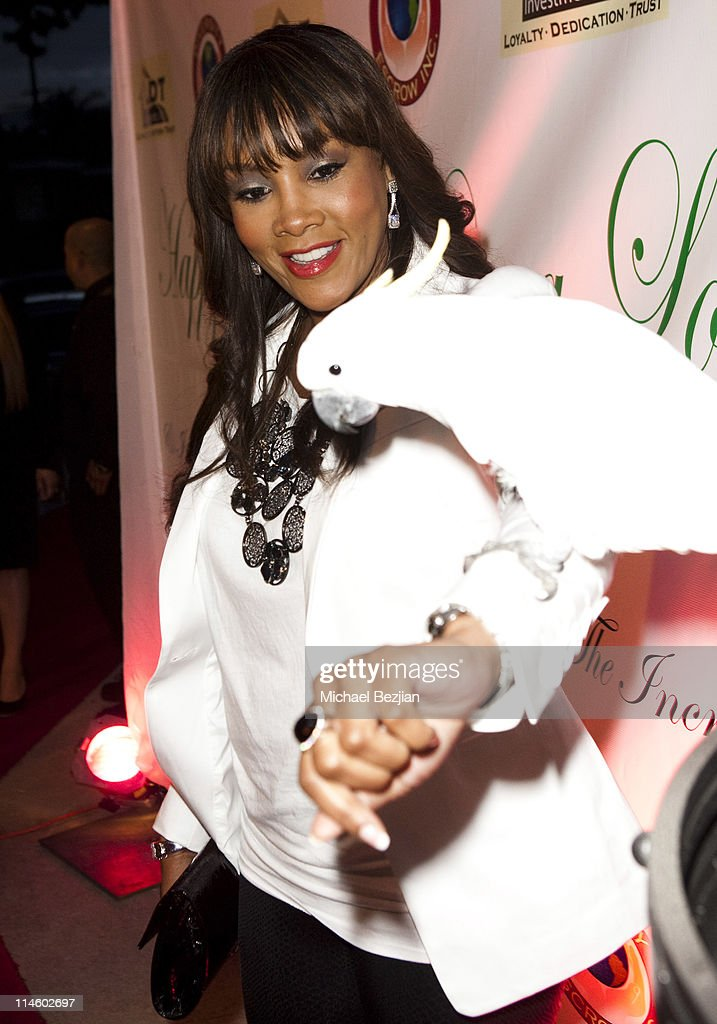 Actor Vivica A. Fox and cockatoo at Diana Lopez Birthday Celebration on May 22, 2010 in Los Angeles, California.