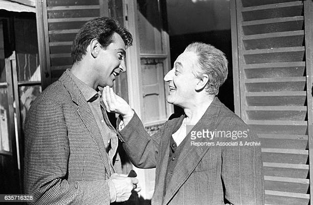 Actor Walter Chiari visiting Totò busy on the set of the film Arrangiatevi Rome 1959