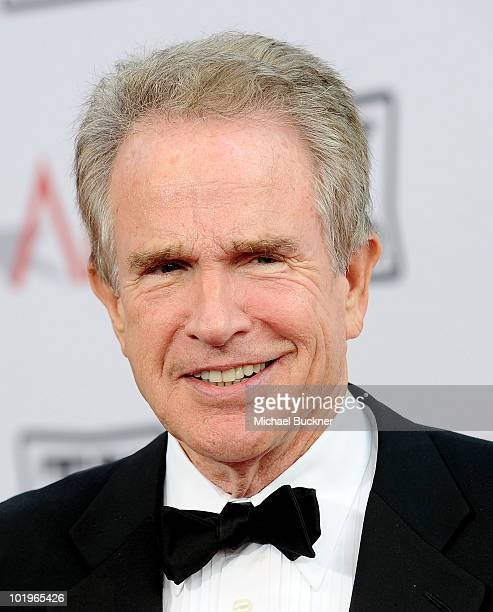 Actor Warren Beatty arrives at the 38th AFI Life Achievement Award honoring Mike Nichols held at Sony Pictures Studios on June 10 2010 in Culver City...
