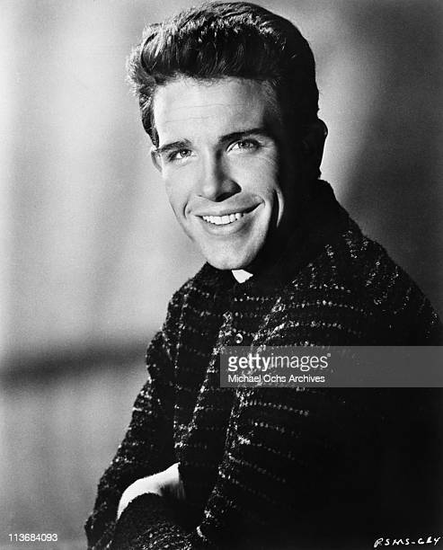 Actor Warren Beatty poses for a portrait to promote the movie 'The Roman Spring of Mrs Stone' in 1961 in Los Angeles California