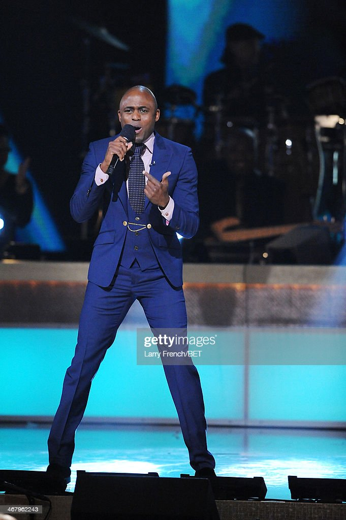 Actor <a gi-track='captionPersonalityLinkClicked' href=/galleries/search?phrase=Wayne+Brady+-+Actor&family=editorial&specificpeople=217495 ng-click='$event.stopPropagation()'>Wayne Brady</a> performs onstage at BET Honors 2014 at Warner Theatre on February 8, 2014 in Washington, DC.