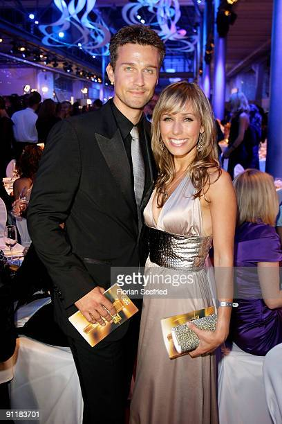 Actor Wayne Carpendale and girlfriend TV host Annemarie Warnkross attend the after show party of the German TV Award 2009 at the Coloneum on...