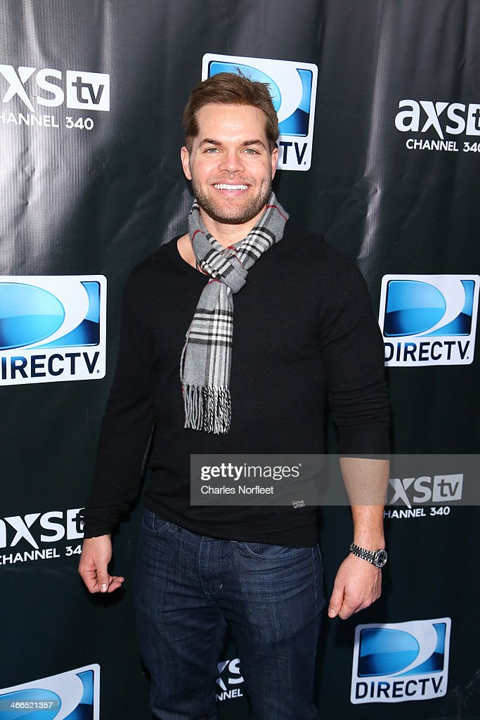 Actor <a gi-track='captionPersonalityLinkClicked' href=/galleries/search?phrase=Wes+Chatham&family=editorial&specificpeople=2199794 ng-click='$event.stopPropagation()'>Wes Chatham</a> attends the DirecTV Super Saturday Night at Pier 40 on February 1, 2014 in New York City.