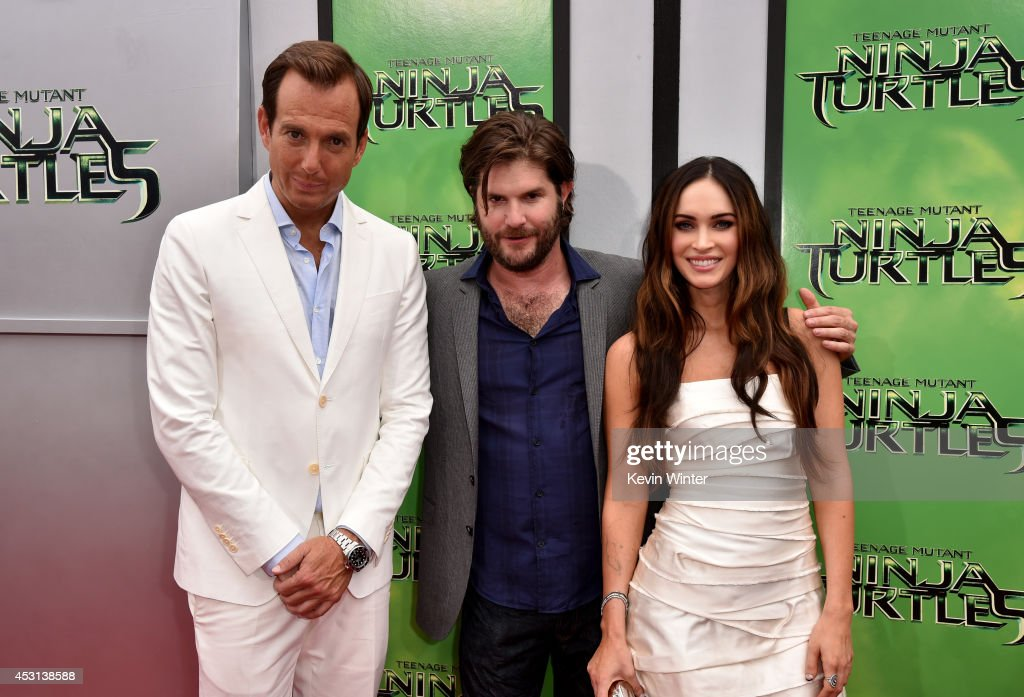 Actor <a gi-track='captionPersonalityLinkClicked' href=/galleries/search?phrase=Will+Arnett&family=editorial&specificpeople=209259 ng-click='$event.stopPropagation()'>Will Arnett</a>, director <a gi-track='captionPersonalityLinkClicked' href=/galleries/search?phrase=Jonathan+Liebesman&family=editorial&specificpeople=3210478 ng-click='$event.stopPropagation()'>Jonathan Liebesman</a> and actress <a gi-track='captionPersonalityLinkClicked' href=/galleries/search?phrase=Megan+Fox&family=editorial&specificpeople=2239934 ng-click='$event.stopPropagation()'>Megan Fox</a> attend the premiere of Paramount Pictures' 'Teenage Mutant Ninja Turtles' at Regency Village Theater on August 3, 2014 in Westwood, California.