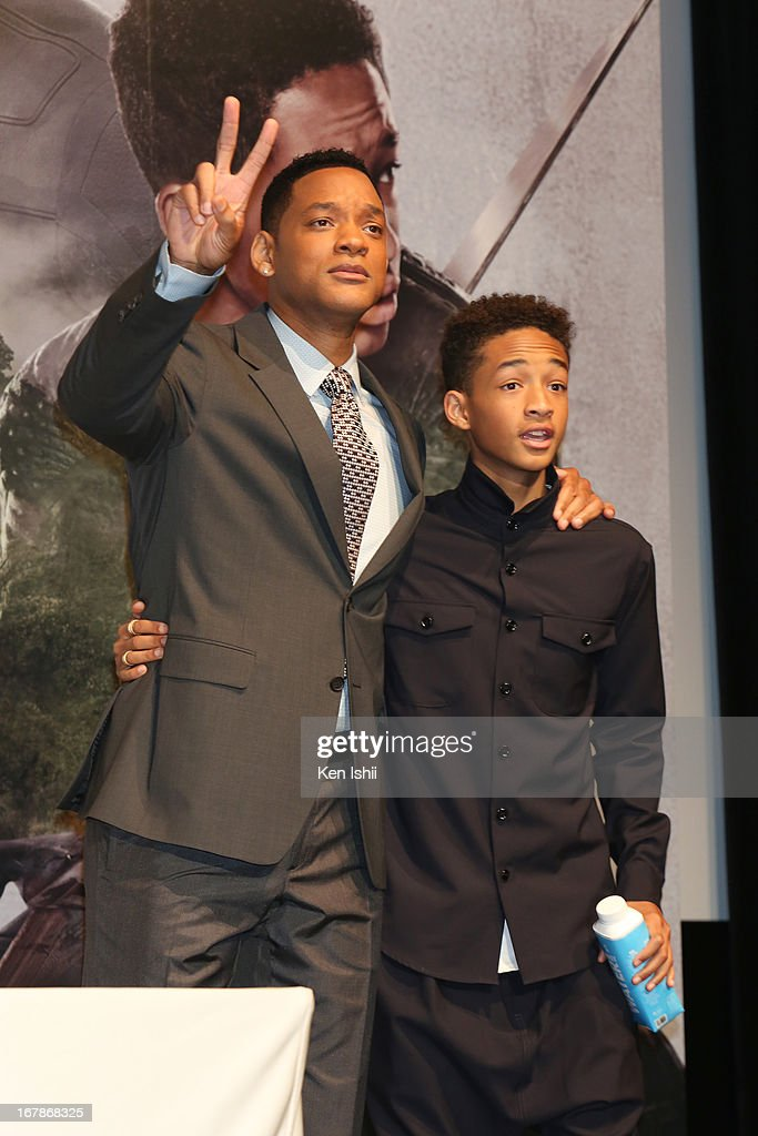 Actor <a gi-track='captionPersonalityLinkClicked' href=/galleries/search?phrase=Will+Smith&family=editorial&specificpeople=156403 ng-click='$event.stopPropagation()'>Will Smith</a> and Jaden Smith pose for photo during the 'After Earth' Press Conference at the Ritz Carlton Tokyo on May 2, 2013 in Tokyo, Japan.