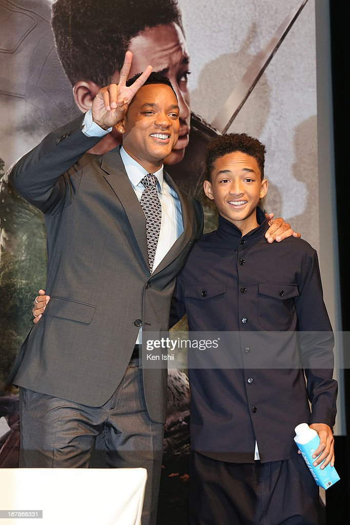Actor <a gi-track='captionPersonalityLinkClicked' href=/galleries/search?phrase=Will+Smith+-+Actor+-+Born+1968&family=editorial&specificpeople=156403 ng-click='$event.stopPropagation()'>Will Smith</a> and Jaden Smith pose for photo during the 'After Earth' Press Conference at the Ritz Carlton Tokyo on May 2, 2013 in Tokyo, Japan.