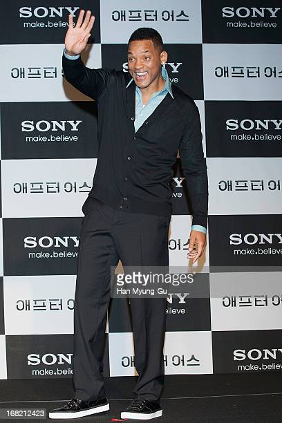 Actor Will Smith attends the 'After Earth' press conference at Conrad Hotel on May 7 2013 in Seoul South Korea Will Smith and Jaden Smith are...