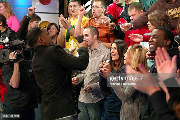 Actor Will Smith gives away tickets for the 'I Am Legend' premiere to the entire audience during MTV's 'TRL' at the MTV Studios in Time Square on...