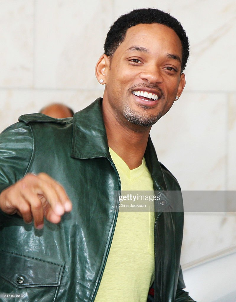Actor Will Smith leaves the InterContinental Hotel after a photoshoot with celebrity photographer Terry O'Neil on June 26 2008 in London England...
