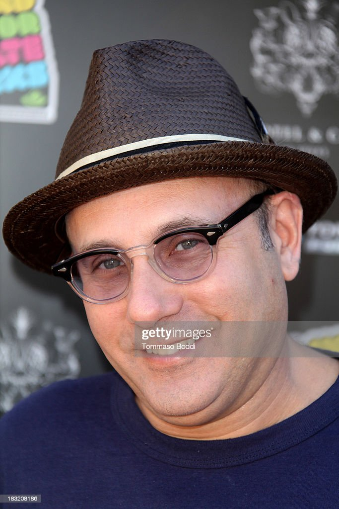Actor <a gi-track='captionPersonalityLinkClicked' href=/galleries/search?phrase=Willie+Garson&family=editorial&specificpeople=240616 ng-click='$event.stopPropagation()'>Willie Garson</a> attends the 10th annual Tony Hawk's Stand Up For Skateparks celebrity charity event on October 5, 2013 in Beverly Hills, California.