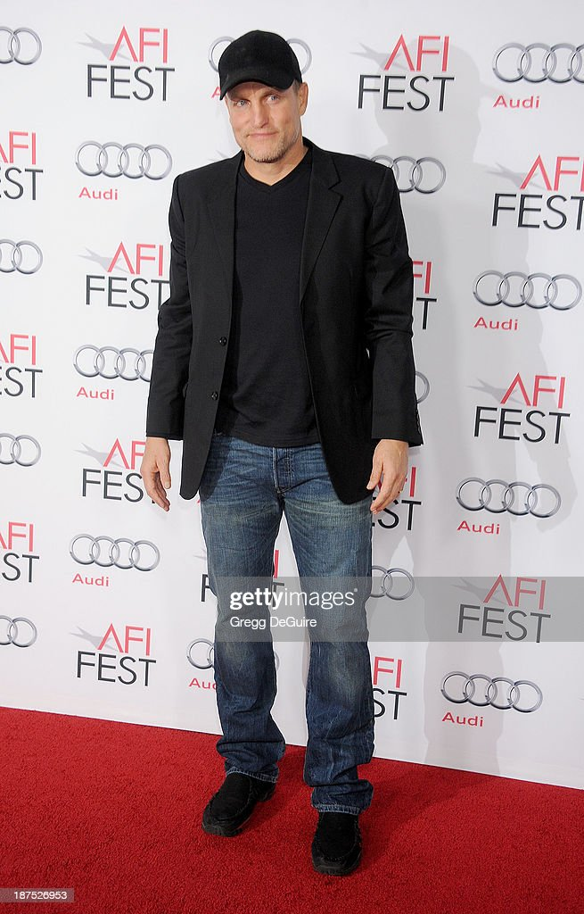 Actor <a gi-track='captionPersonalityLinkClicked' href=/galleries/search?phrase=Woody+Harrelson&family=editorial&specificpeople=208923 ng-click='$event.stopPropagation()'>Woody Harrelson</a> arrives at the AFI FEST 2013 premiere of 'Out Of The Furnace' at TCL Chinese Theatre on November 9, 2013 in Hollywood, California.