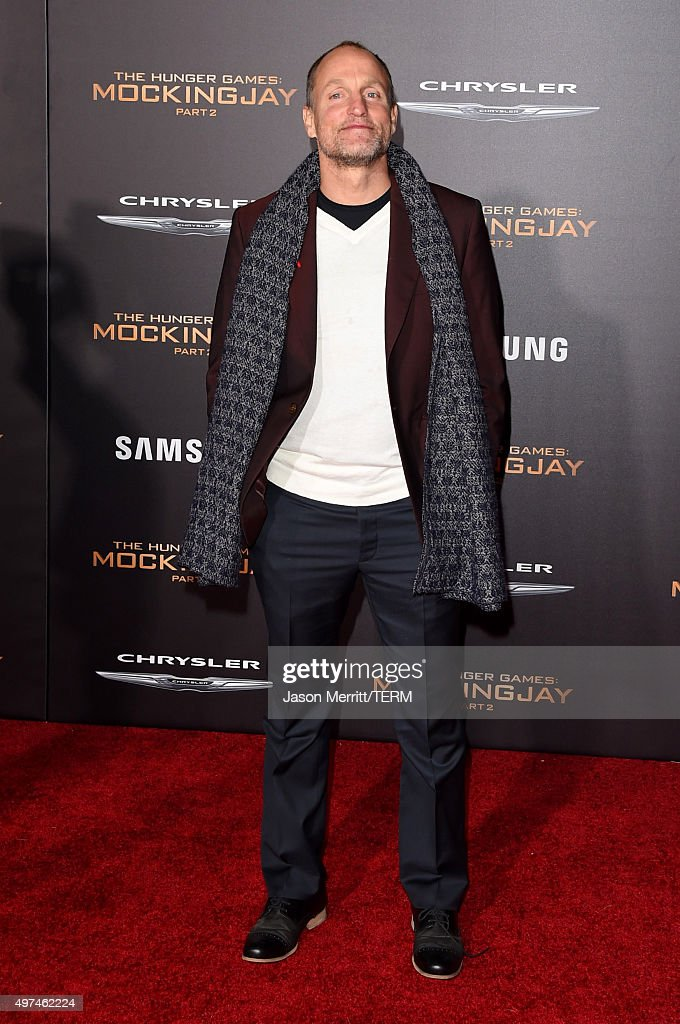 Actor <a gi-track='captionPersonalityLinkClicked' href=/galleries/search?phrase=Woody+Harrelson&family=editorial&specificpeople=208923 ng-click='$event.stopPropagation()'>Woody Harrelson</a> attends the premiere of Lionsgate's 'The Hunger Games: Mockingjay - Part 2' at Microsoft Theater on November 16, 2015 in Los Angeles, California.
