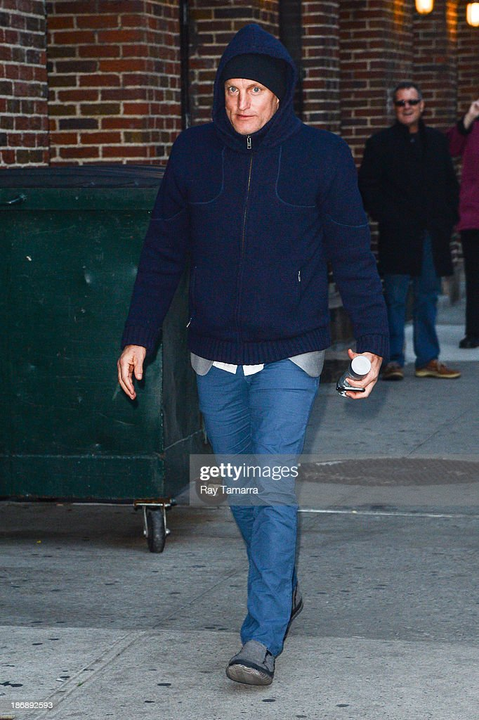Actor <a gi-track='captionPersonalityLinkClicked' href=/galleries/search?phrase=Woody+Harrelson&family=editorial&specificpeople=208923 ng-click='$event.stopPropagation()'>Woody Harrelson</a> enters the 'Late Show With David Letterman' at the Ed Sullivan Theater on November 4, 2013 in New York City.