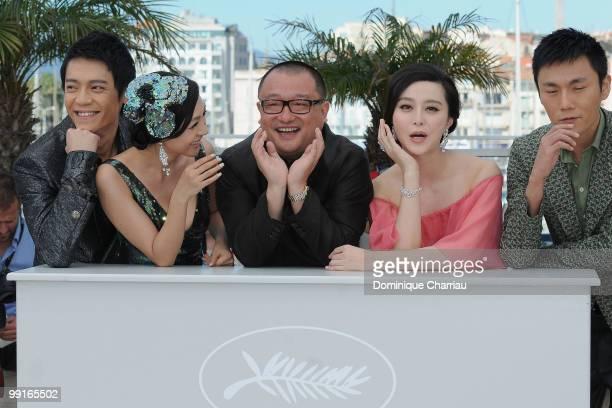 Actor Yi Zi actress Li Feier Director Xiaoshuai Wang actress Bingbing Fan and actor Hao Qin attend the 'Chongging Blues' Photocall held at the Palais...