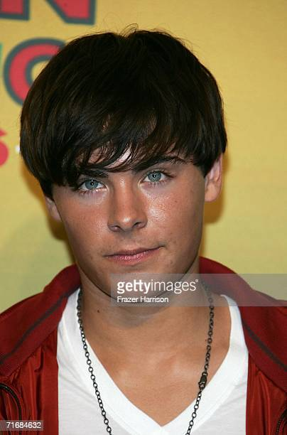 Actor Zac Efron poses in the press room at the 8th Annual Teen Choice Awards at the Gibson Amphitheatre on August 20 2006 in Universal City...
