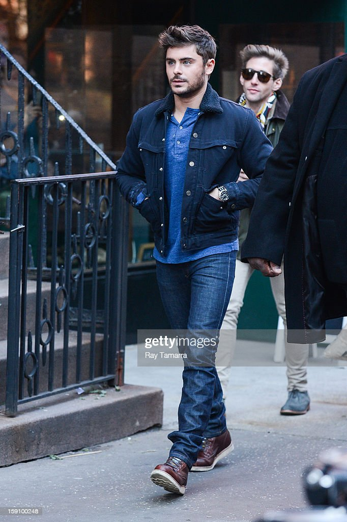Actor Zac Efron walks to the 'Are We Officially Dating?' movie set in Grammercy Park on January 7, 2013 in New York City.