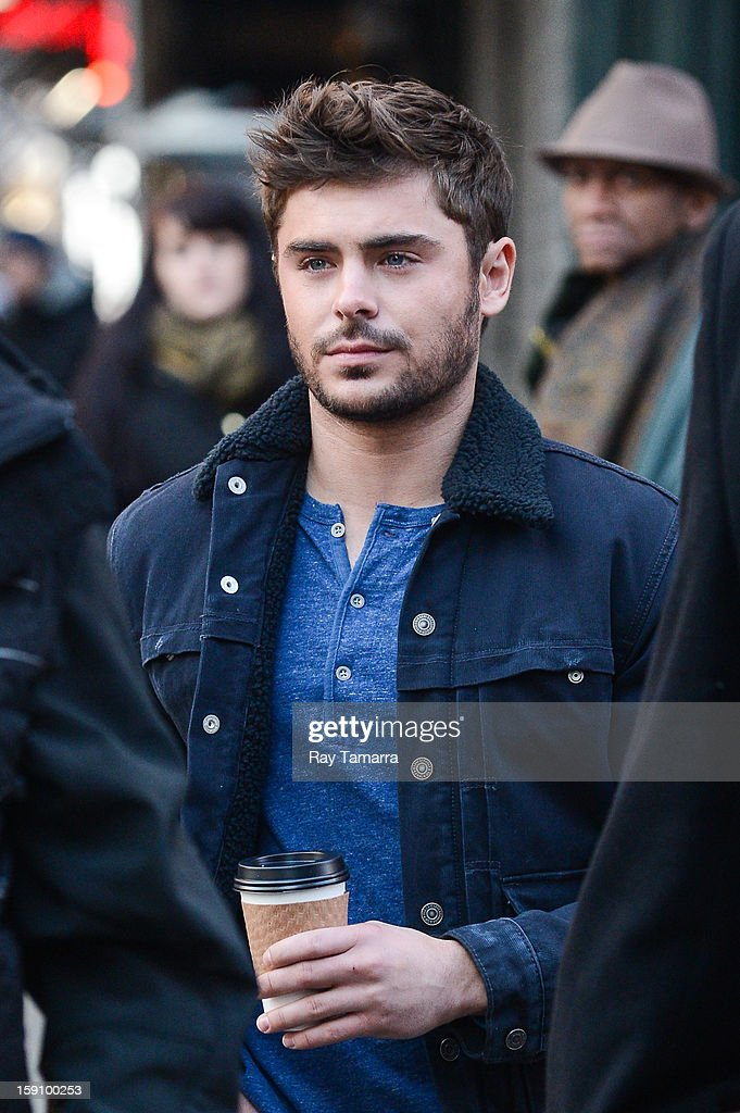 Actor <a gi-track='captionPersonalityLinkClicked' href=/galleries/search?phrase=Zac+Efron&family=editorial&specificpeople=533070 ng-click='$event.stopPropagation()'>Zac Efron</a> walks to the 'Are We Officially Dating?' movie set in Grammercy Park on January 7, 2013 in New York City.