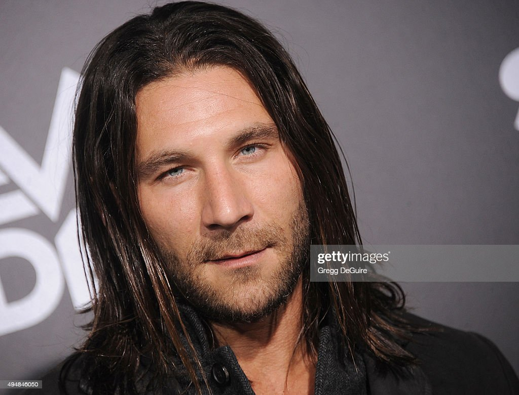 Actor <a gi-track='captionPersonalityLinkClicked' href=/galleries/search?phrase=Zach+McGowan&family=editorial&specificpeople=5583928 ng-click='$event.stopPropagation()'>Zach McGowan</a> arrives at the premiere of STARZ's 'Ash Vs Evil Dead' at TCL Chinese Theatre on October 28, 2015 in Hollywood, California.
