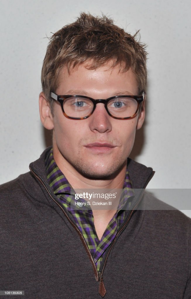 Actor <a gi-track='captionPersonalityLinkClicked' href=/galleries/search?phrase=Zach+Roerig&family=editorial&specificpeople=4859108 ng-click='$event.stopPropagation()'>Zach Roerig</a> attends the 2010 New York Comic Con at the Jacob Javitz Center on October 10, 2010 in New York City.