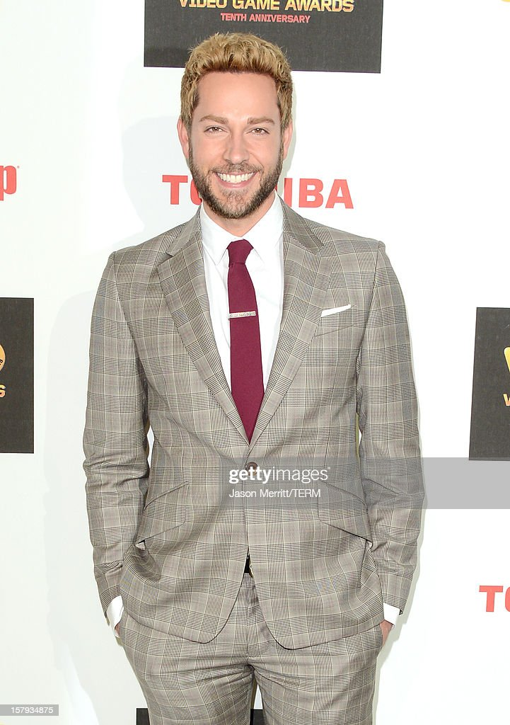Actor <a gi-track='captionPersonalityLinkClicked' href=/galleries/search?phrase=Zachary+Levi&family=editorial&specificpeople=242766 ng-click='$event.stopPropagation()'>Zachary Levi</a> arrives at Spike TV's 10th annual Video Game Awards at Sony Pictures Studios on December 7, 2012 in Culver City, California.