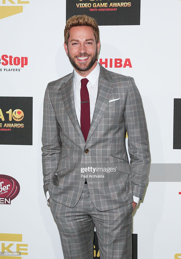 Actor <a gi-track='captionPersonalityLinkClicked' href=/galleries/search?phrase=Zachary+Levi&family=editorial&specificpeople=242766 ng-click='$event.stopPropagation()'>Zachary Levi</a> attends Spike TV's 10th Annual Video Game Awards at Sony Pictures Studios on December 7, 2012 in Culver City, California.