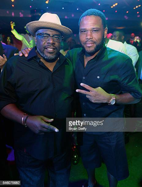 Actor/comedian Cedric The Entertainer and actor Anthony Anderson attends the Coach Woodson Las Vegas Invitational at the red carpet and pairings...