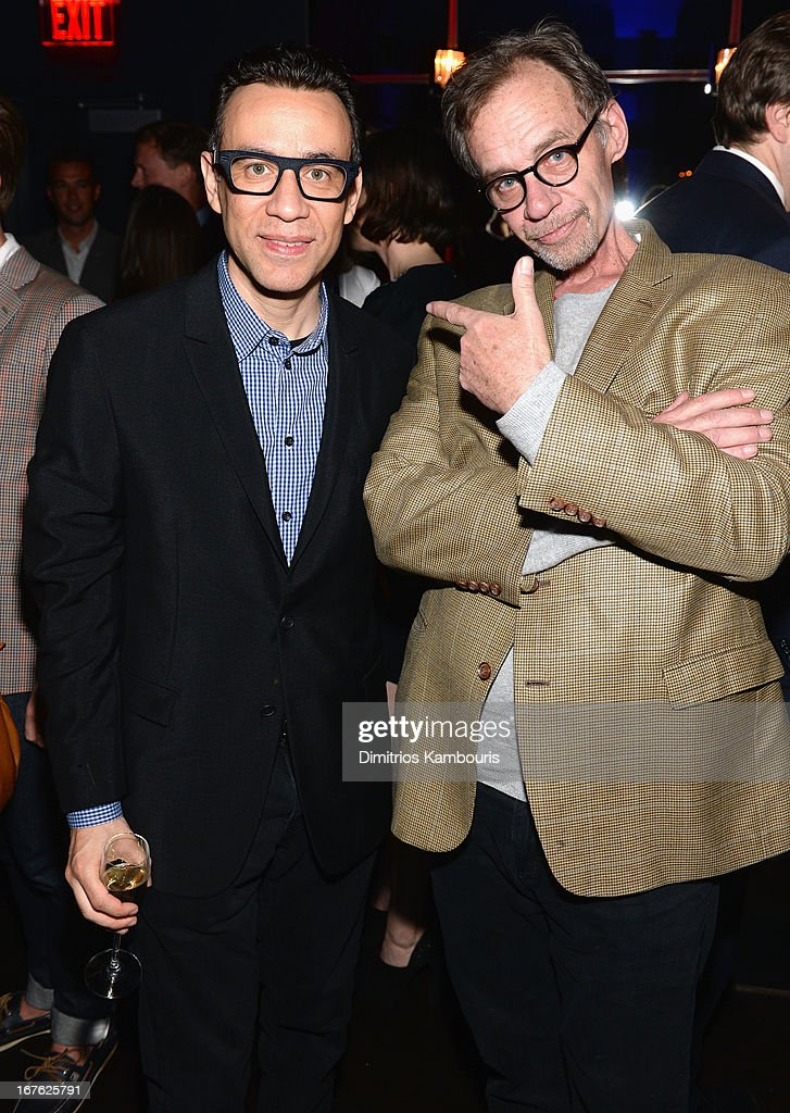 Actor/Comedian <a gi-track='captionPersonalityLinkClicked' href=/galleries/search?phrase=Fred+Armisen&family=editorial&specificpeople=221426 ng-click='$event.stopPropagation()'>Fred Armisen</a> and NY Times writer <a gi-track='captionPersonalityLinkClicked' href=/galleries/search?phrase=David+Carr+-+Periodista&family=editorial&specificpeople=13928645 ng-click='$event.stopPropagation()'>David Carr</a> attend The New Yorker's David Remnick Hosts White House Correspondents' Dinner Weekend Pre-Party at W Hotel Rooftop on April 26, 2013 in Washington, DC.