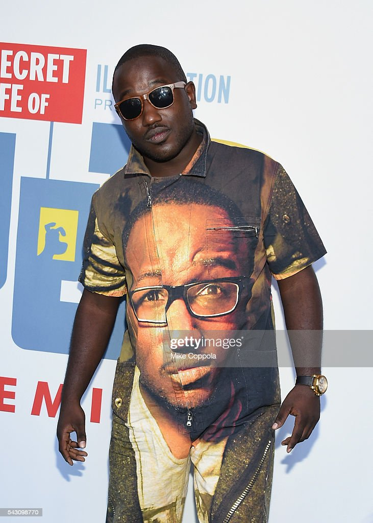 Actor/comedian <a gi-track='captionPersonalityLinkClicked' href=/galleries/search?phrase=Hannibal+Buress&family=editorial&specificpeople=4517735 ng-click='$event.stopPropagation()'>Hannibal Buress</a> attends 'The Secret Life Of Pets' New York Premiere at David H. Koch Theater at Lincoln Center on June 25, 2016 in New York City.